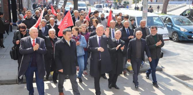 CHP'DEN GÖVDE GÖSTERİSİ